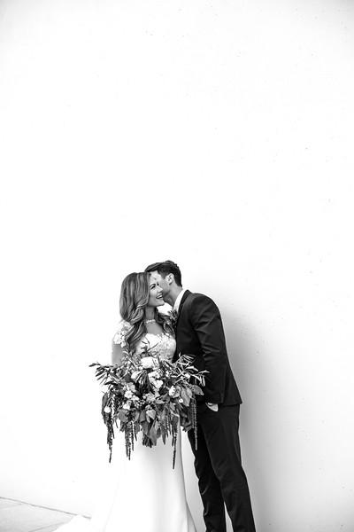 Kate&Josh_B&W_ZACH.WATHEN.PHOTOGRAPHER-232.jpg