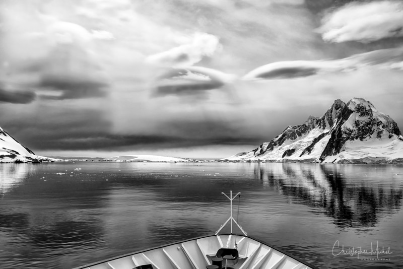 icebergs_pleneau_island_lemaire_20130106_7349.jpg