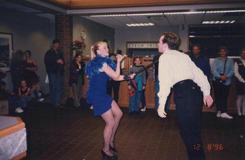 Dance_2327.jpg