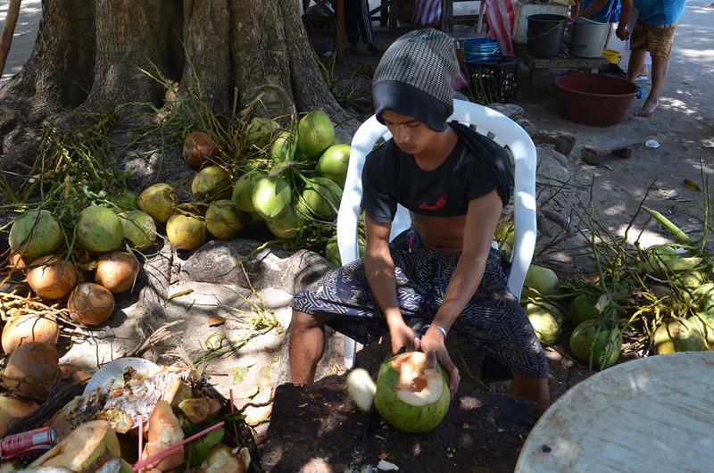 DSC_6523-coconut-man.JPG