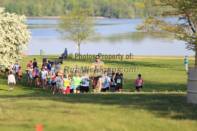 Half Marathon Start Wave 2 - 2013 Back to the Beach