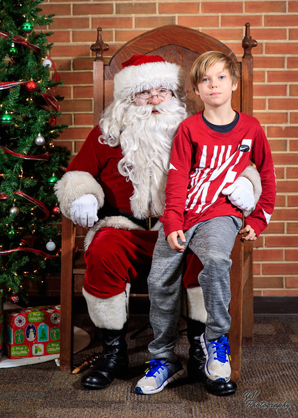 Santa 2019-150.jpg