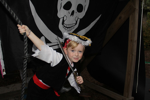 Pirate Kid & Family