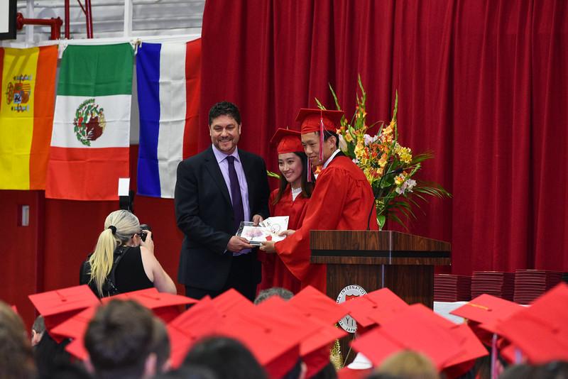 Senior -Graduation-DSC_5592-2018-19.jpg