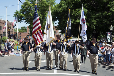 05/27/19  Wesley Bunnell   Staff  The American Legion Post 72 Honor Guard marches down Main St during Monday's Memorial Day Parade.