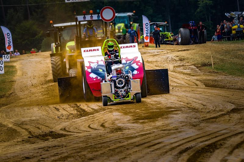 Tractor Pulling 2015-02351.jpg