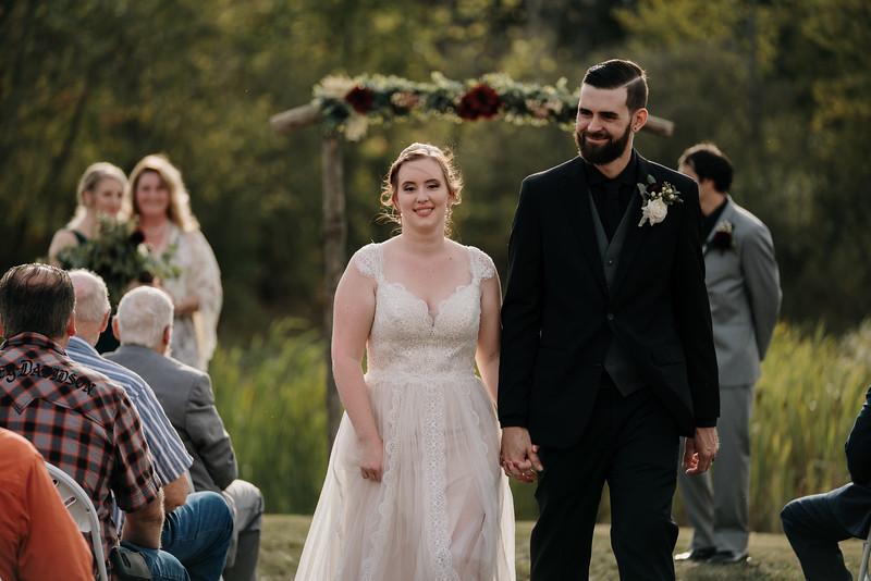 rustic_ohio__fall_barn_wedding-236.jpg