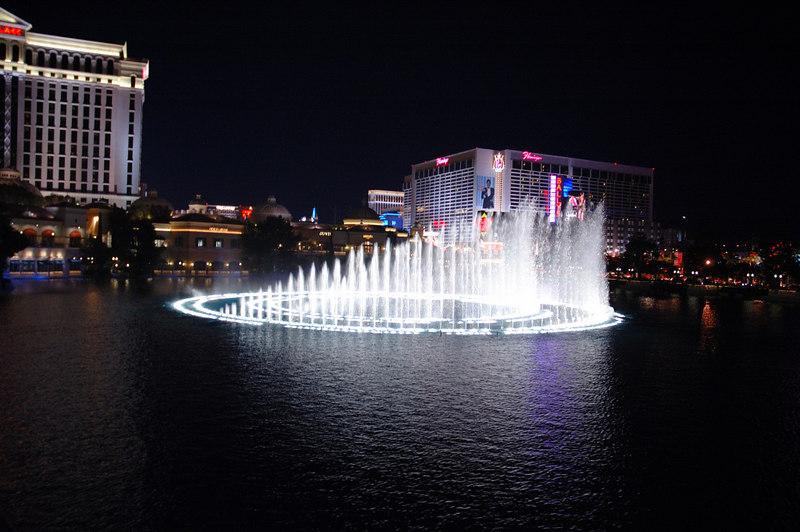 Fountain05.JPG