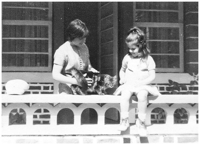 Odete Ermida e filha Isabel em Andrada com o taroco da Tina Oliveira