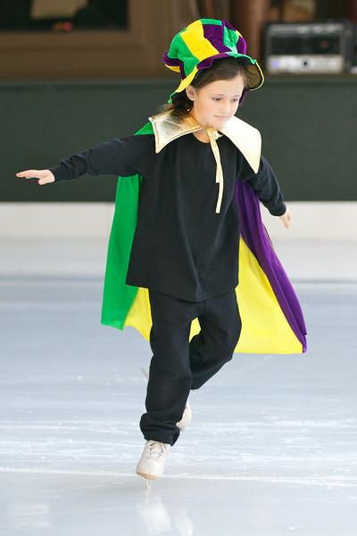 Skating  10043.jpg