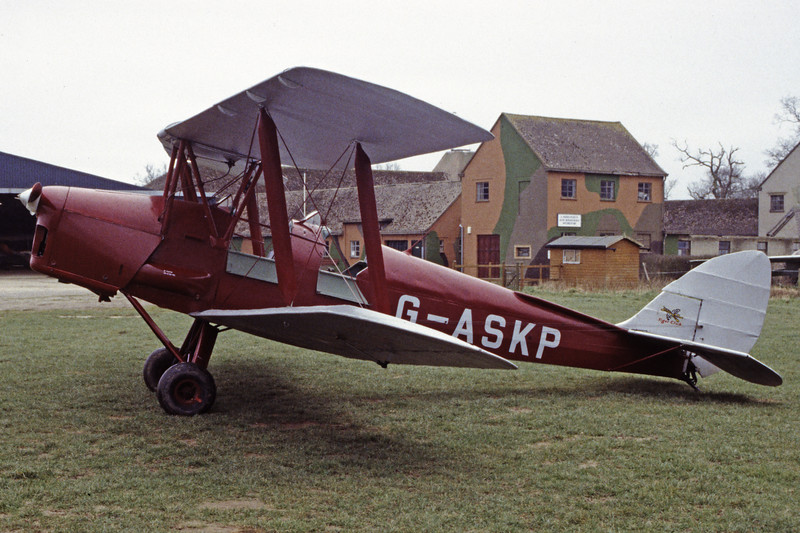 G-ASKP-DH-82ATigerMoth-Private-EGKH-1998-02-19-EI-30-KBVPCollection.jpg