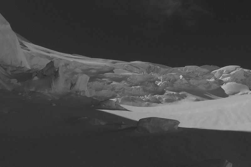 The upper left of the Anna Glacier in its cut-up Febuary condition. Mt Elie De Beaumont.