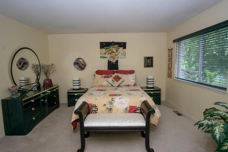 Masterbedroom b.jpg