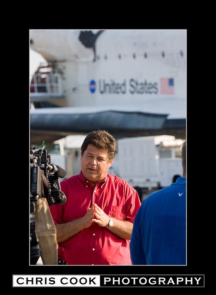 STS-135-landing-20.jpg