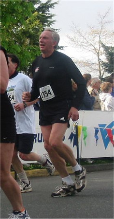 2003 Times-Colonist 10K - Dan Fraser comes home in 50:37