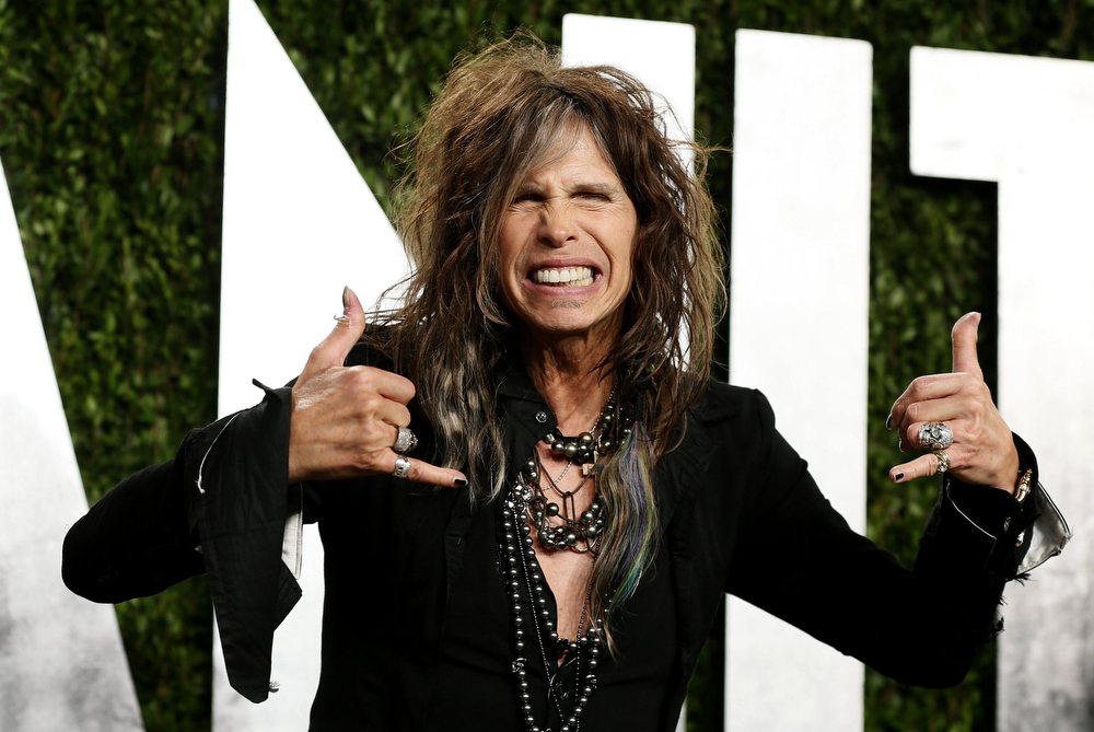 Description of . Steven Tyler attends the 2013 Vanity Fair Oscars Party in West Hollywood, California February 25, 2013.  REUTERS/Danny Moloshok