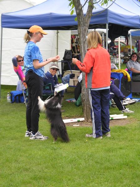 Nancy Gyes teaching dog agility