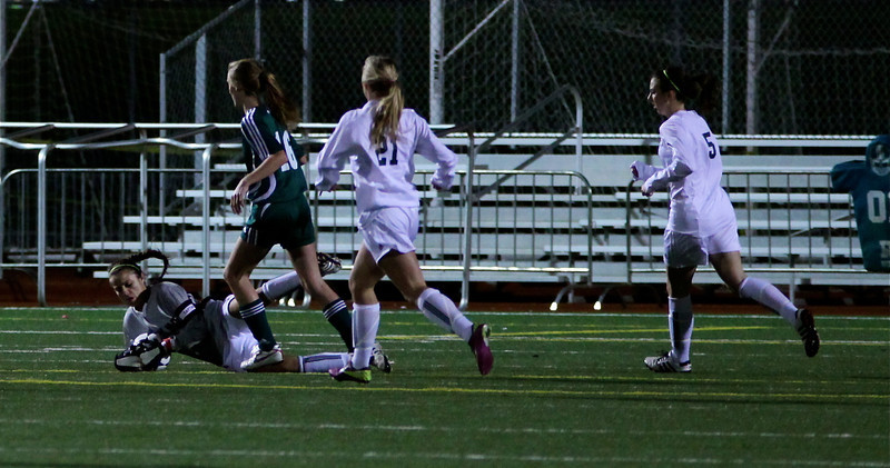 Julianne Smith  Woodinville High Girls Varsity Soccer verse Skyline High October 20, 2011, ©Neir