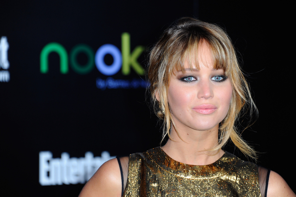 Description of . Actress Jennifer Lawrence arrives to the premiere of Lionsgate's