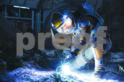 review-the-martian-makes-you-feel-good-to-be-an-earthling