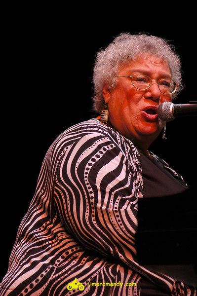 Phila Folk Fest- Sun 8-28 748 Ann Rabson.JPG