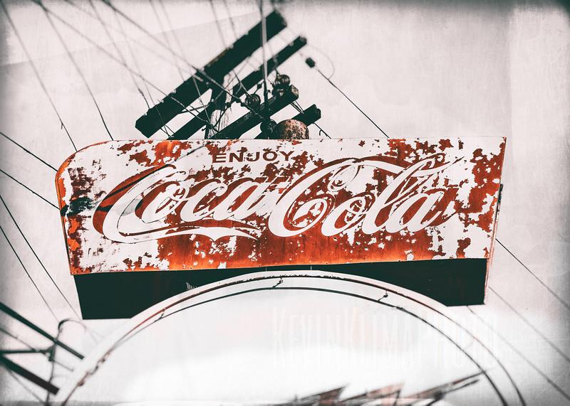 Whiz Burgers - Coca-Cola