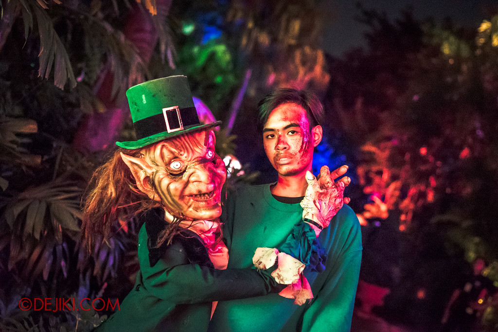 Halloween Horror Nights 7 - Happy Horror Days scare zone / St Paddy's Day Ventriloquist