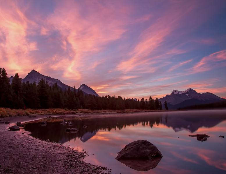 Maligne Lake - Jasper National Park - Sunrise