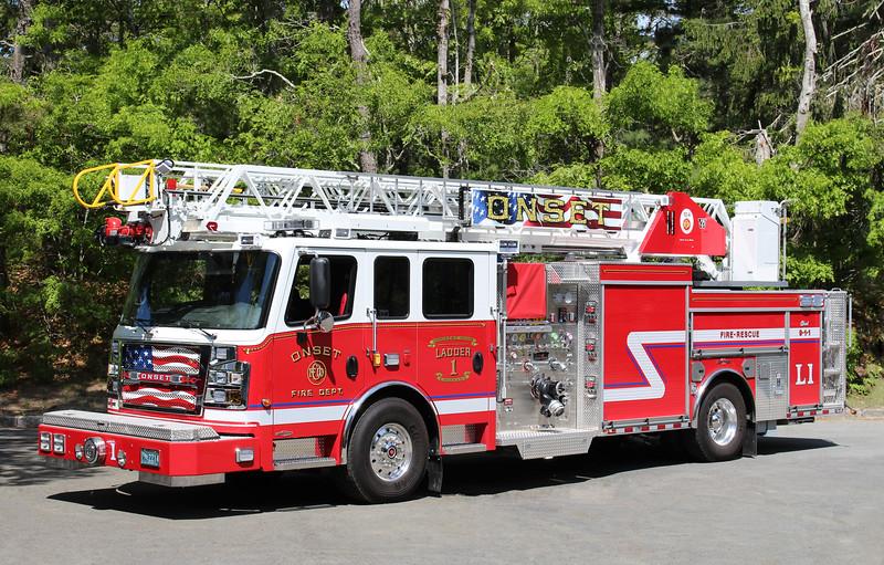 Ladder 1   2015 Rosenbauer Commander   1500 / 300   78'RMA