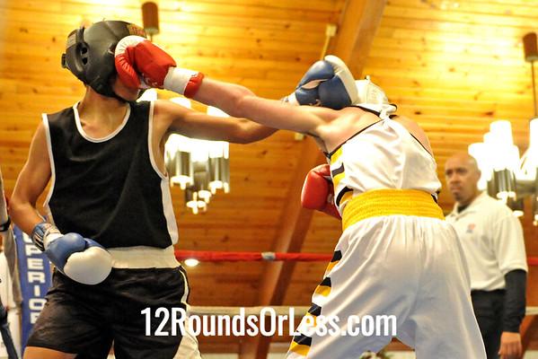 Bout #12 Humkberto Esquveil, Ann Arbor, MI -vs- Michael Fasline, Campbell, 118 lbs