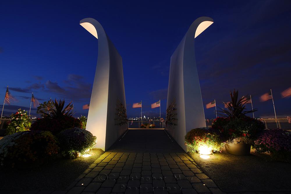 IMAGE: http://www.christophergmoy.com/New-York-City/Staten-Island-911-Memorial/i-FZ4gXKf/0/X3/WH2K4961-X3.jpg