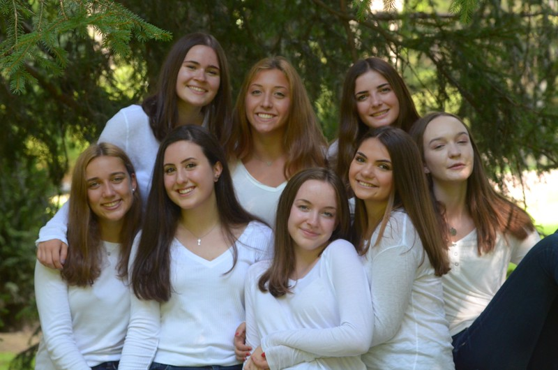 Julia Friend Group Pics - 82 of 308.jpg