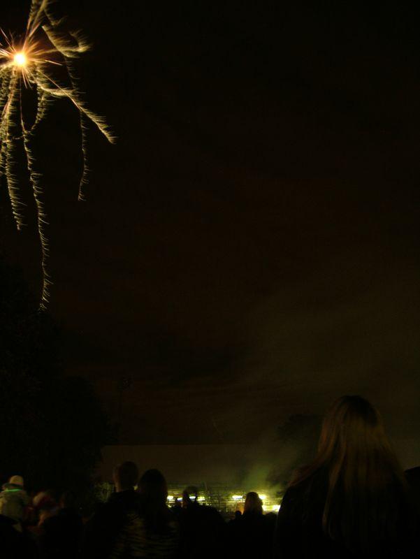 2004_1105putneyfireworks20031.JPG