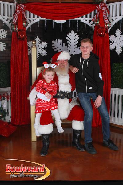 Santa 12-17-16-138.jpg