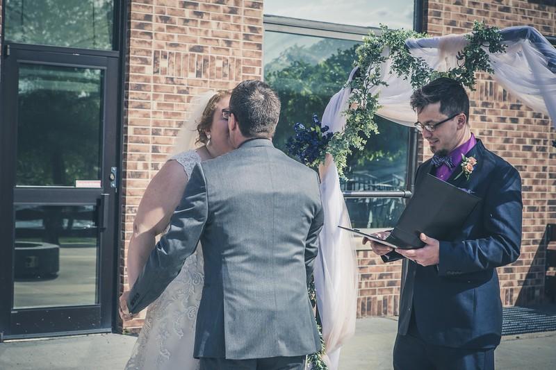 Beloit-WI-Ironworks-hotel-Wedding-Photographere_m_57.jpg