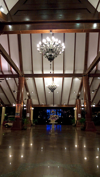 Main Lobby, A Famosa, Melaka  For dinner, I walked around the building to the main lobby and reception area. This is where the dining facilities are. Golfer's Terrace, where we had dinner is the area with the blue light in the middle. We walk through a small ornamental garden and water feature to reach it.