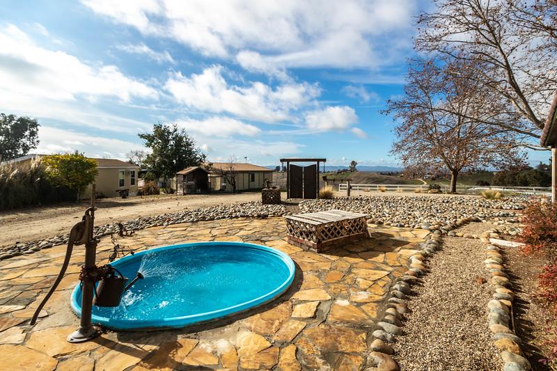 2210 Rancho Lomas 37 Side yard.jpg