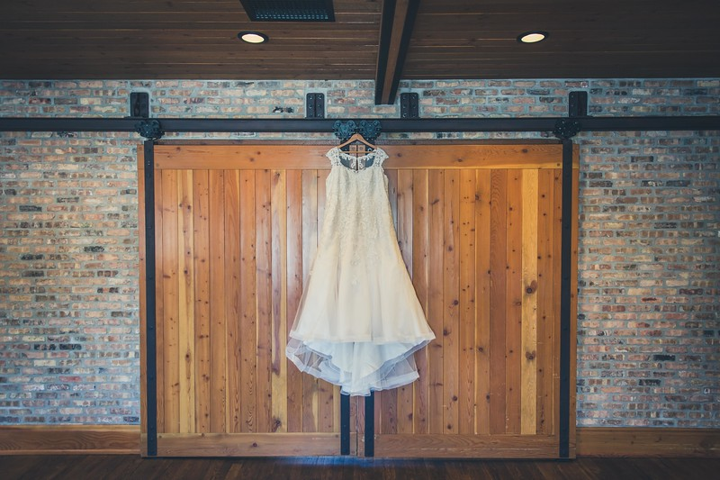 Beloit-WI-Ironworks-hotel-Wedding-Photographere_m_2.jpg
