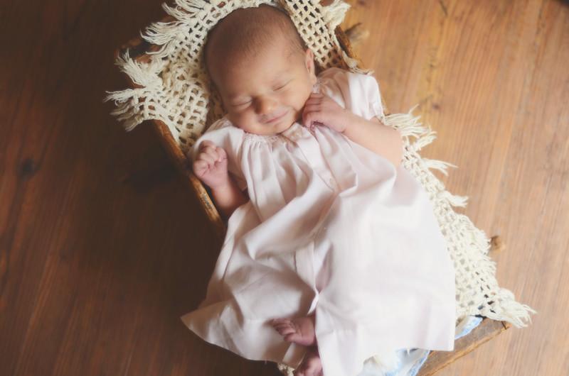 newborn-10 copy.jpg