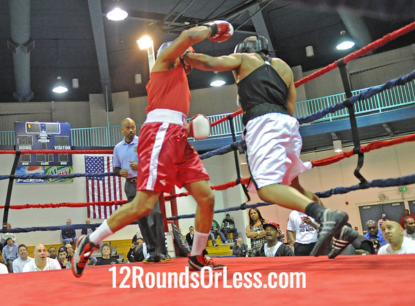 Franklin Barnes (Cudell Rec Ct.) vs Berrell Brown (Cleveland B.C.)  201 Hvy Weight-Novice Bout # 10