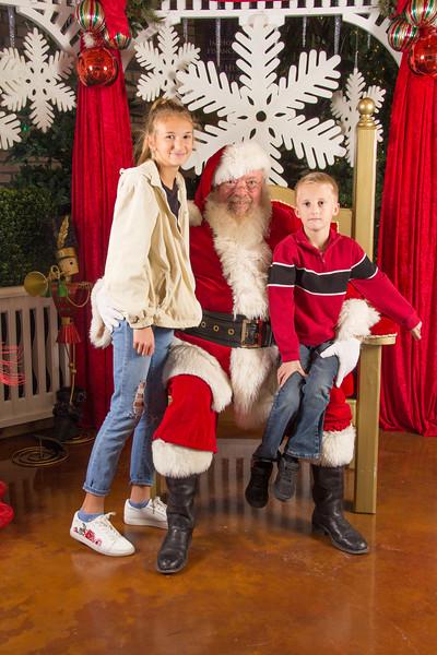 Santa 12-16-17-196.jpg