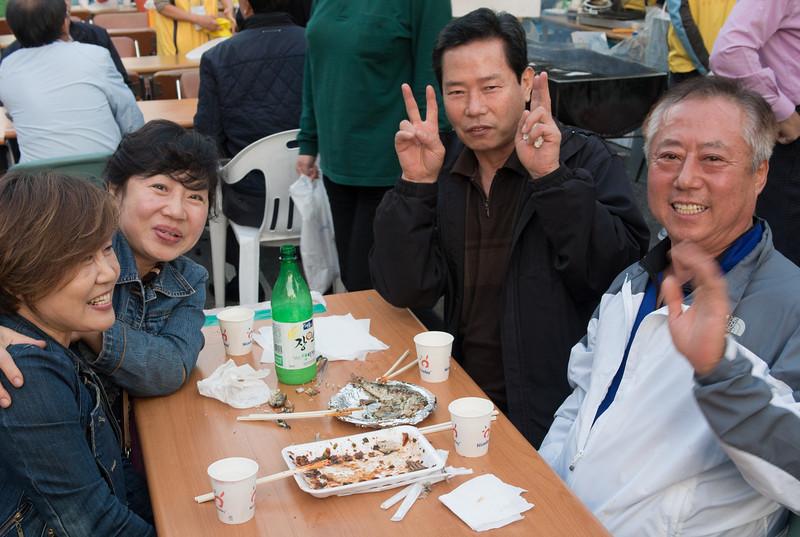 We befriended some Koreans at Itaewon Global Village Festival. They introduced us to some Korean food, rice wine and culture.