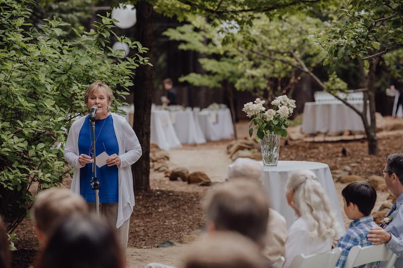 2018-05-12_ROEDER_JulieSeth_Wedding_DUSTIN1_0066.jpg