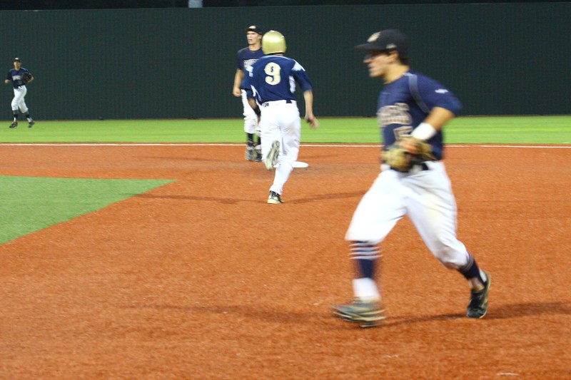 \\hcadmin\d$\Faculty\Home\slyons\HC Photo Folders\HC Baseball_State Playoffs_2012\20120513_138.JPG