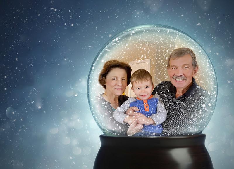 5x7 Card -Christmas2019Photobacks Snow GlobeNONAMES-Edit-Edit-2.jpg