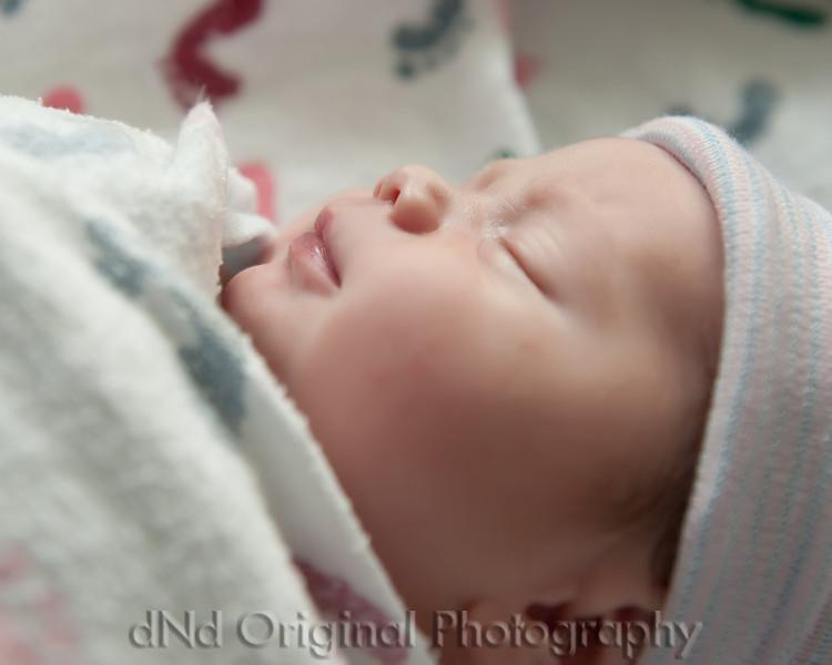 09 Kaelan Newborn (10x8).jpg