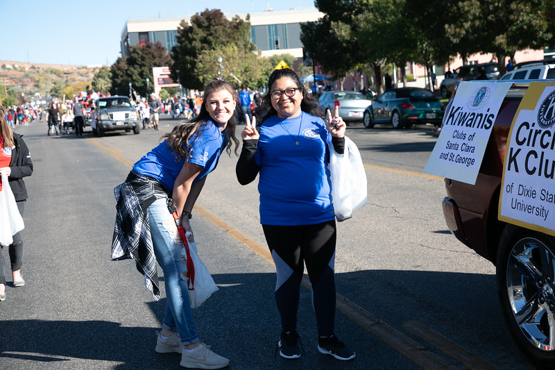HOMECOMING PARADE 2019-2312.jpg