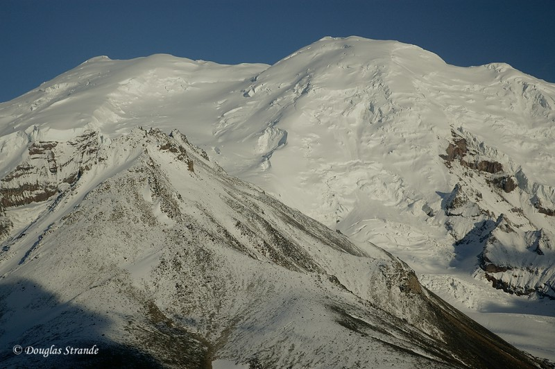 0509021926_MtDrumSnowPeak.jpg