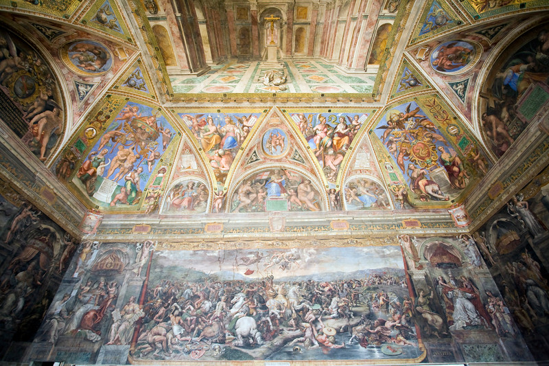 Battle of Constantine against Maxentius (low). Room of Constantine (1517-1524), Raphael's Rooms, Vatican Museums