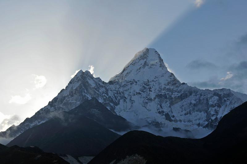 080518 2878 Nepal - Everest Region - 7 days 120 kms trek to 5000 meters _E _I ~R ~L.JPG
